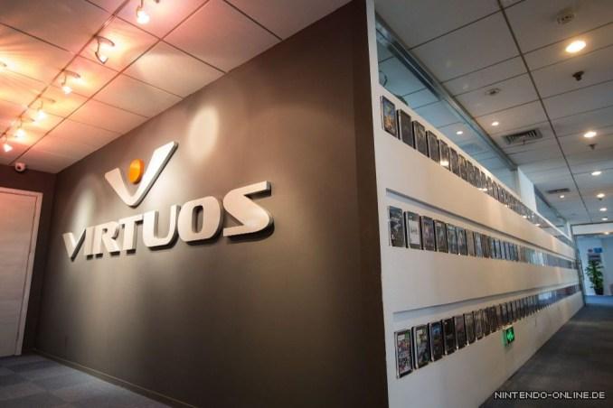 Das Bild zeigt das Logo des Entwicklerstudios Virtuos.