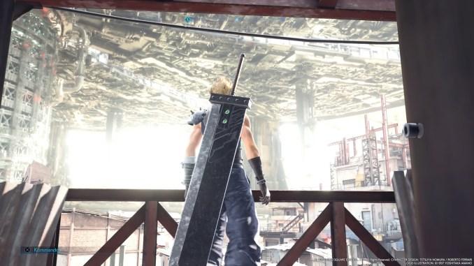 """Das Bild zeigt Cloud in Sektor 7 in """"Final Fantasy VII Remake""""."""