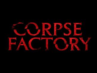 """Das Bild zeigt das Logo des Spiels """"Corpse Factory""""."""