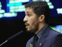Jean Wyllys (PSOL/RJ) criticou mudança de projeto que criminaliza homofobia. Foto: UOL