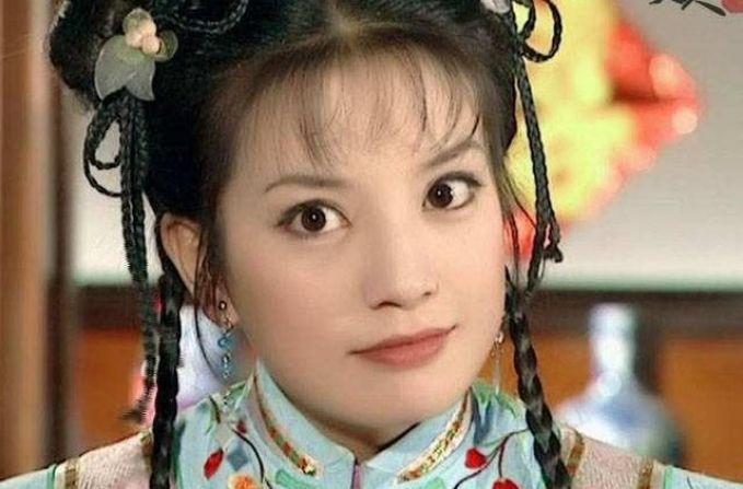 """赵薇演""""小燕子""""被贴标?其实不用""""贴"""",这是赵薇原本的模样"""
