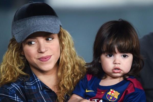 Фото дня: Шакира и Жерар Пике на футбольном матче