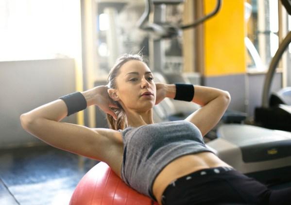 Стало известно, сколько упражнений в день помогут похудеть ...