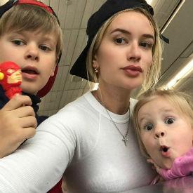 Елена Бушина попала в больницу с детьми StarHitru