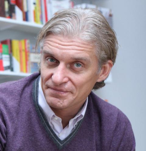 Коллеги больного раком Олега Тинькова побрились в его ...