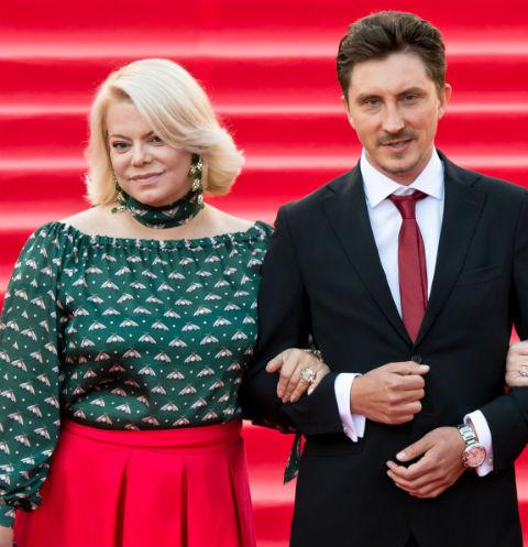 Яна Поплавская не хочет выходить замуж за