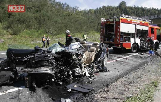 20150422 - School Bus Involved in Serious Crash