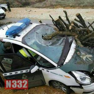 Guardia Civil Officers Injured by Insecure Load