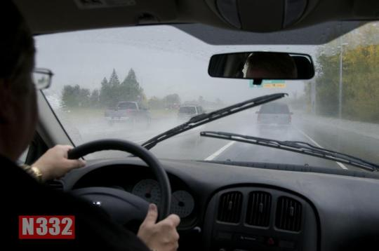 Driving_in_the_rain_(5124407306)