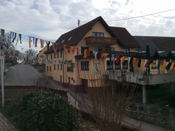 Liggeringen, decorated for Fasnacht.