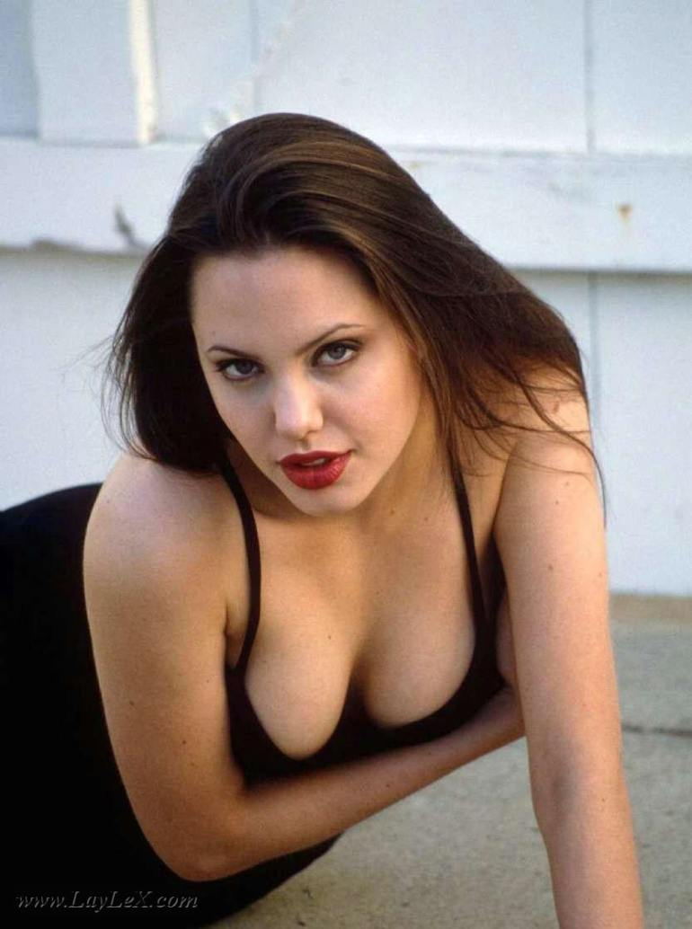 Angelina-Jolie-Sexy-Boobs