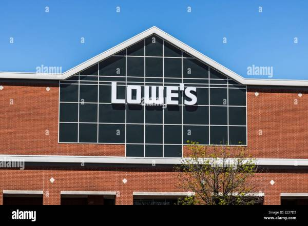Lowes Home Improvement Stock Photos & Lowes Home ...