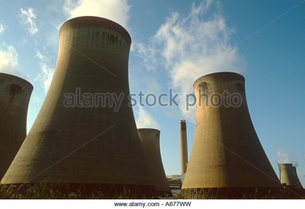 Sulphur Dioxide Power Station Stock Photos & Sulphur ...