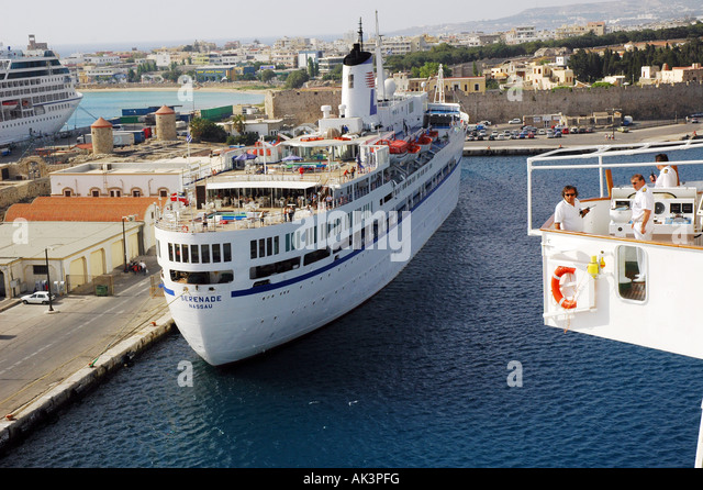 Greece Cruise Ship Sinks