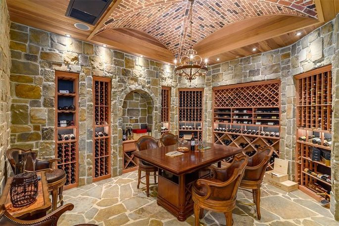 Napa-inspired wine room