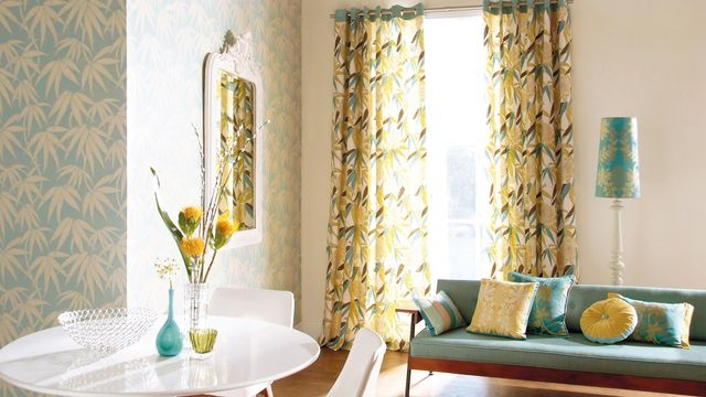 Light, tall curtains and mirror