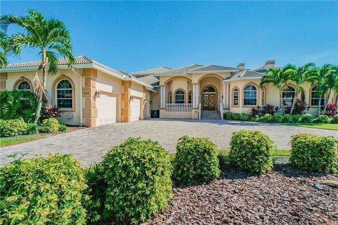 Bubba the Love Sponge's Florida home