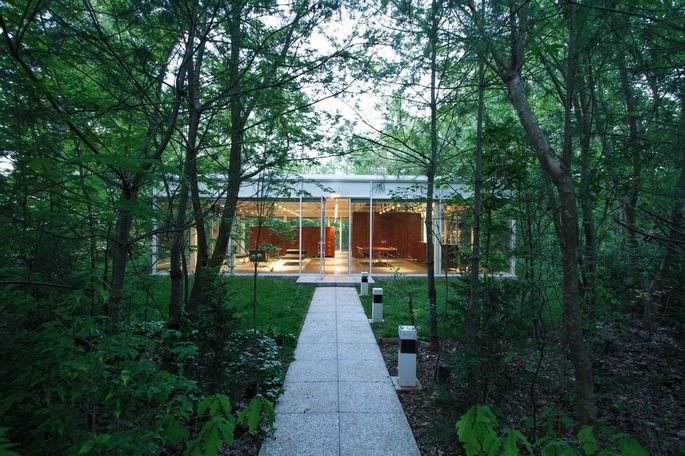 Have you ever dreamed of living in a glass house?