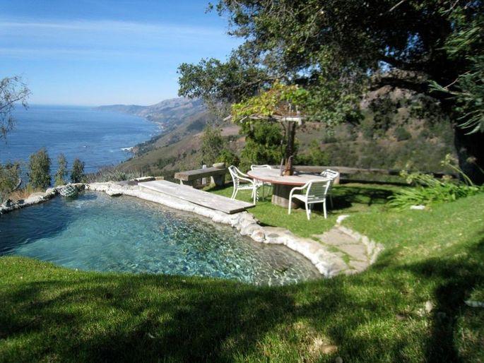 Plunge pool with ocean views