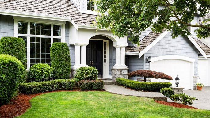 Front Yard Landscaping Ideas To Try Now Before It S Too Late Realtor Com