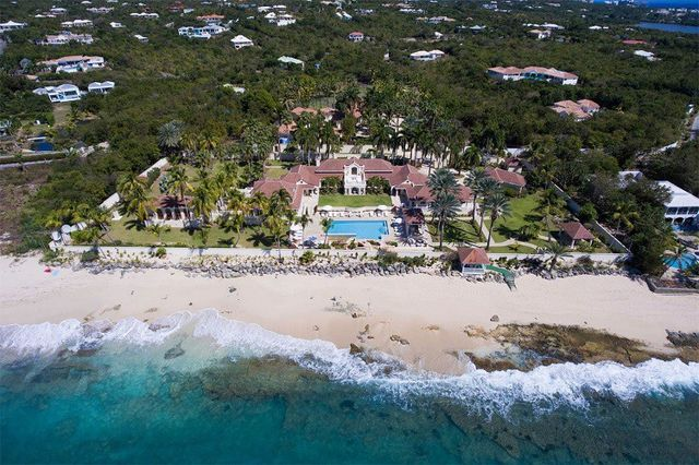 Donald Trump's estate on an island in the sun