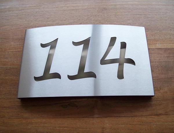 Huisnummerbord RVS met handgeschreven lettertype