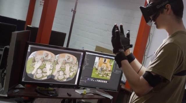 오큘러스 VR을 이용하여 아이언맨과 같은 체험을 하는 모습. 이미지출처 : https://www.flickr.com/photos/bagogames/14175415750