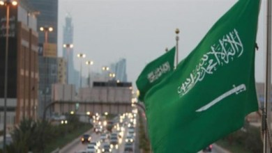 Photo of السعودية: تمدد تعليق الحضور لمقرات العمل والرحلات الدولية والداخلية حتى إشعار آخر
