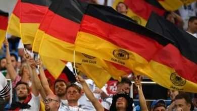 Photo of أندية الدوري الألماني توافق على عودة الجماهير إلى الملاعب