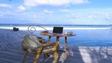 Photo of منتجع في المالديف يقدم لك مكتباً فاخراً على الشاطئ