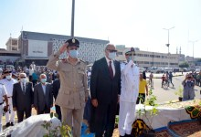"""Photo of احتفالاً بالذكرى ال٤٧ لإنتصارات أكتوبر """"الهجان"""" يضع إكليل الزهور على النصب التذكارى للجندى المجهول"""