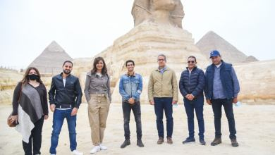 """Photo of مينا مسعود سفير مبادرة """"اتكلم عربي"""" يزور الأهرامات وأبو الهول"""