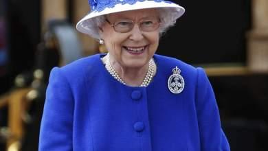 Photo of ملكة بريطانيا تتمنى في رسالة للبرهان الاستقرار للسودان