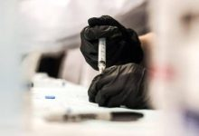 "Photo of السلطات الأمريكية توقف لقاح مضاد لكورونا بعد تسببه في ""جلطات"""