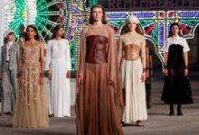 """Photo of دار """"ديور"""" للأزياء تفتتح أسبوع الموضة بباريس بحضور نجوم ومشاهير"""