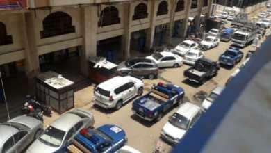 انتشار كثيف لقوات الشرطة بمجمع الذهب بالخرطوم