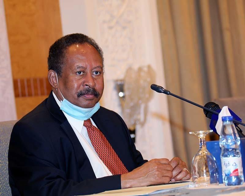 """اخبار السودان: ماذا قال """"حمدوك"""" حول تسليم البشير للجنائية؟"""