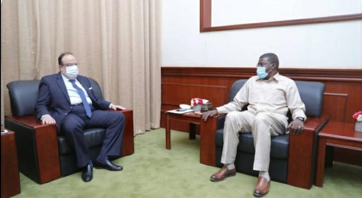 السودان: الطاهر حجر يلتقي السفير المصري