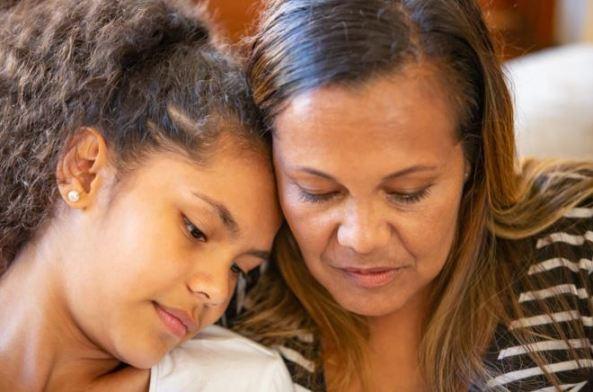 Aboriginal mother & daughter