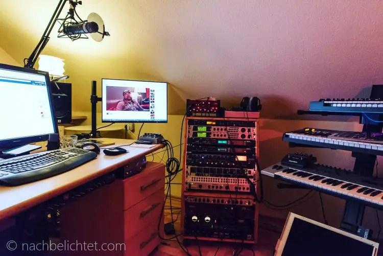 Das Rode ProCaster an einem Tischarm in meinem Büro/Studio