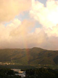 ベランダから見る虹
