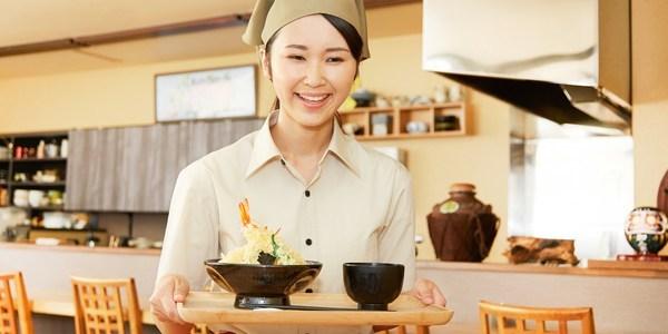 飲食店で料理を持っていくタイミングとお客様の体感