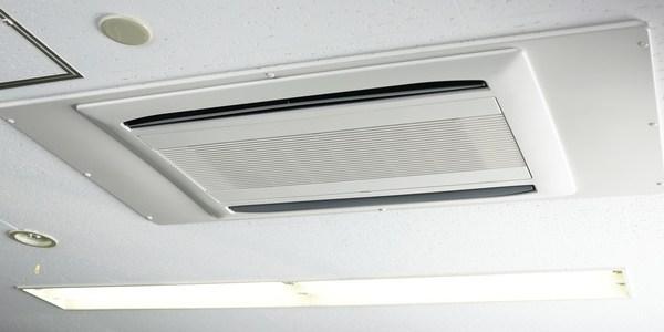 飲食店における空調の温度管理について