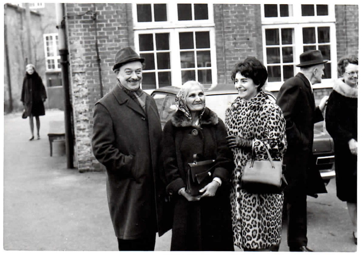 1968 1215 Angel Robinson with Nielsen family
