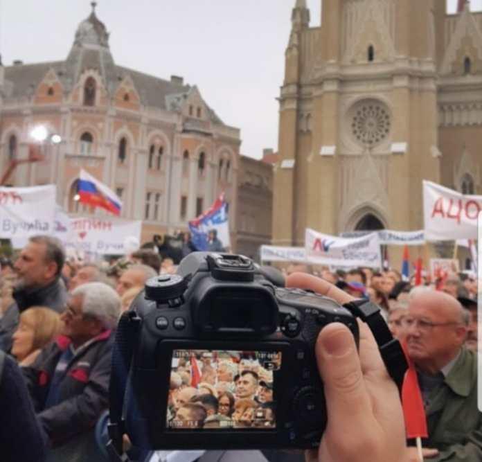 ДА ЛИ СУ МИНИСТРИ УЗ НАРОД? Сутрашњи скуп ''Будућност Србије'' ће бити ТЕСТ ЗА ПОЛИТИЧАРЕ 2