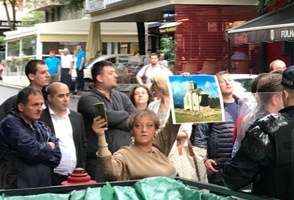 ДЕСНИЧАРИ СЕ ПОБУНИЛИ: Протест и блокада због шиптарског фестивала у Београду (ФОТО) 2