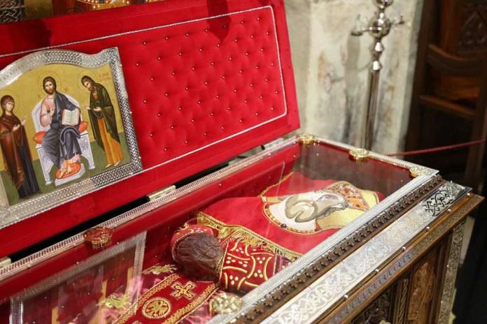 Кивот са моштима Светог кнеза Лазара мученика косовског које се чувају у његовој задужбини манастиру Раваница
