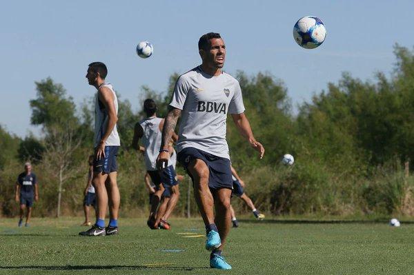 Aficionados chinos en contra de Tévez, Boca Juniors, Carlos Tévez