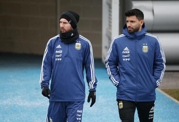 Festejan Otamendi y Agüero: el City es campeón