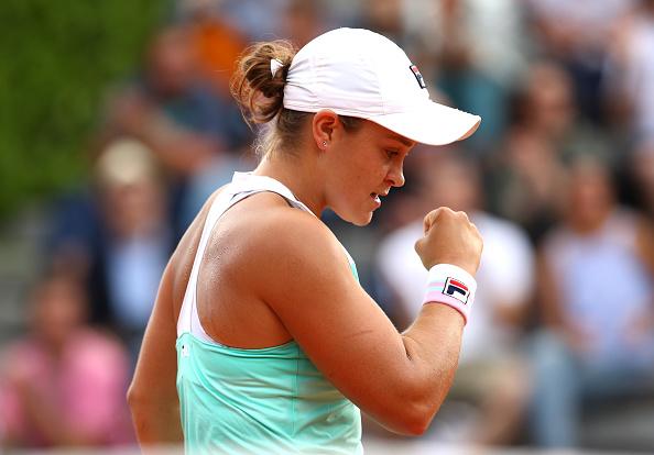 Serena Williams remontó en Rolland Garros